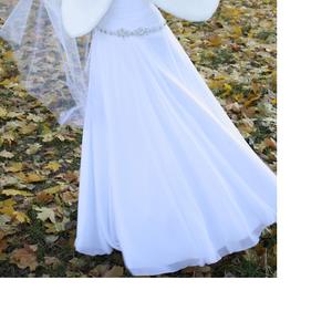 Отличное чисто белое свадебное платье