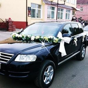Прокат авто Volkswagen Tyareg бизнес-класса с водителем для торжества